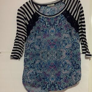 Blue patterned top
